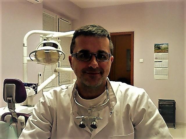Stomatolog Andzej Gawin
